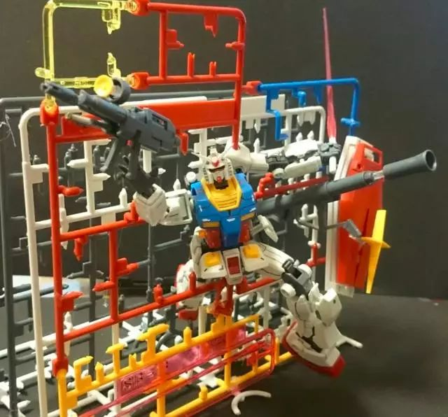 模玩控:高达模型流道新玩法,可做RX78的支架