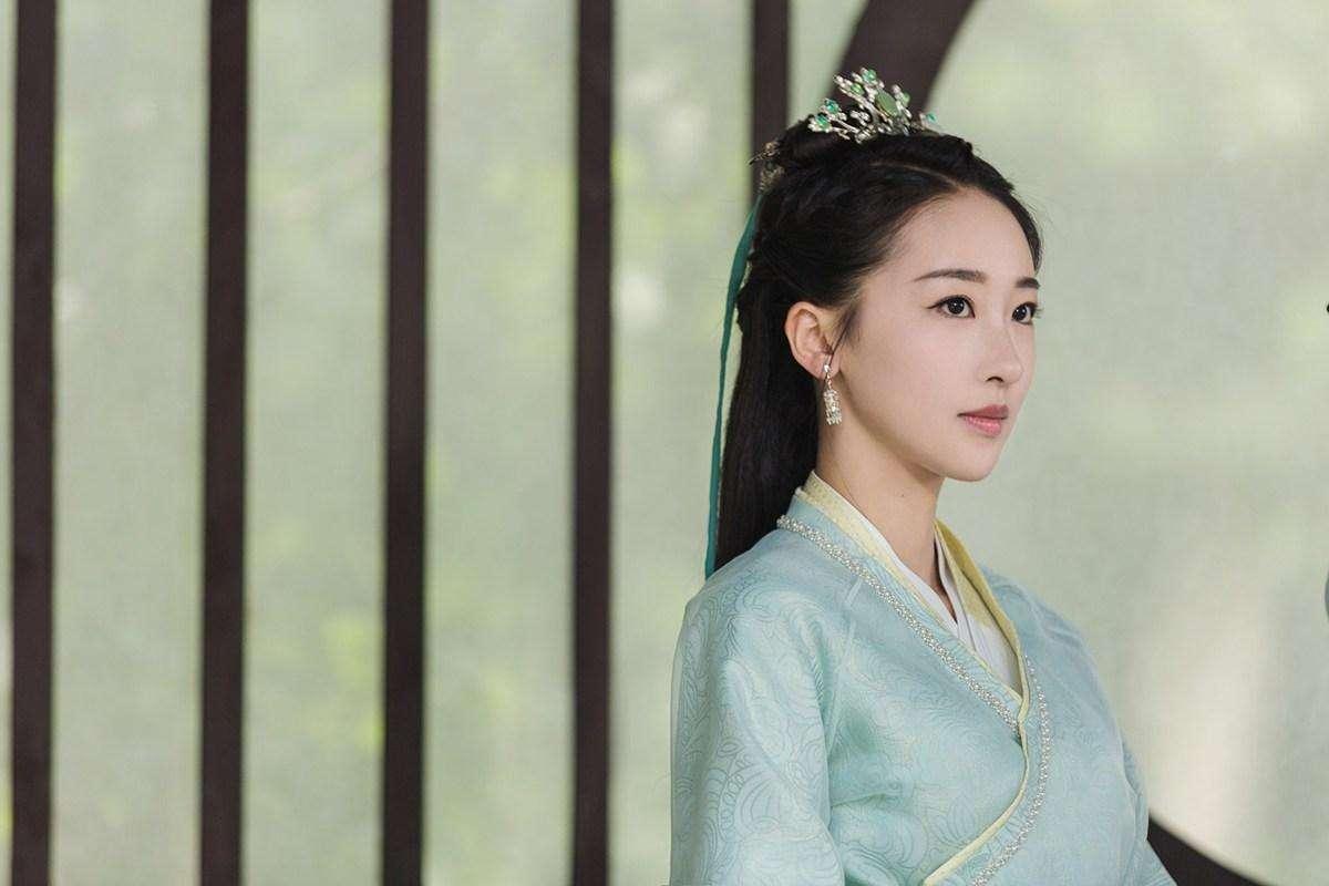 她是康熙一生挚爱,为生孩子丧失生命,但却是最幸运的清朝妃子