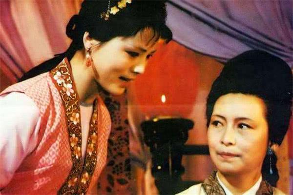 红楼梦:袭人是宝玉最爱的丫环,为何会害怕王夫人原因少有人知