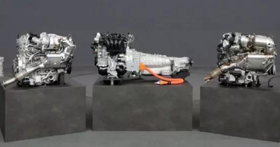 「cx30 马自达」马自达有望在2022年推出直6发动机;哈弗初恋内饰亮相