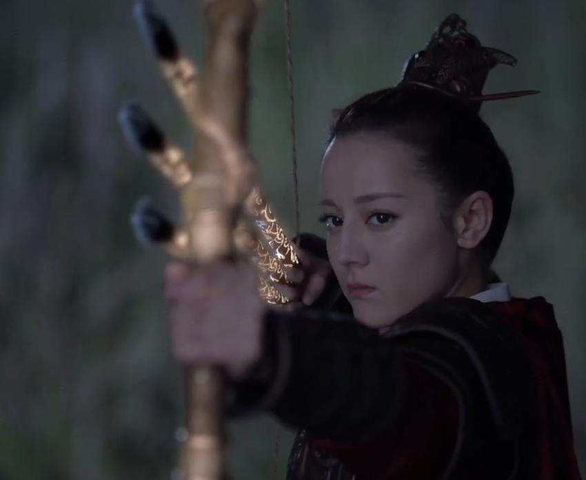 阿兰若的剑会发光,谁注意热巴射箭时手里拿的啥?太有才了