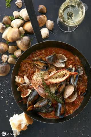 """法国最出名的一碗鱼汤,马赛鱼汤,背后藏着一个""""污污""""的传说"""