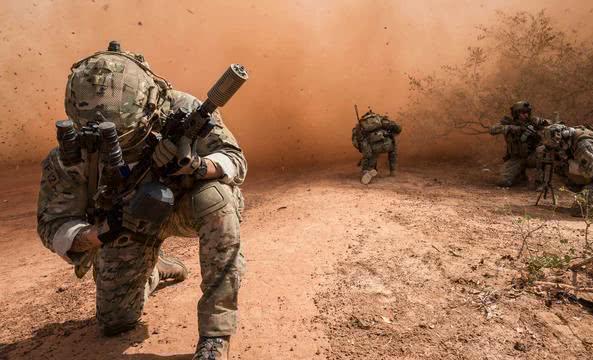 30万大军集结边境,中东美军真正对手出现,比伊朗更难对付