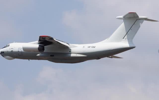 乌克兰大飞机命运多舛:为交战双方运武器 结果都被无人机炸毁