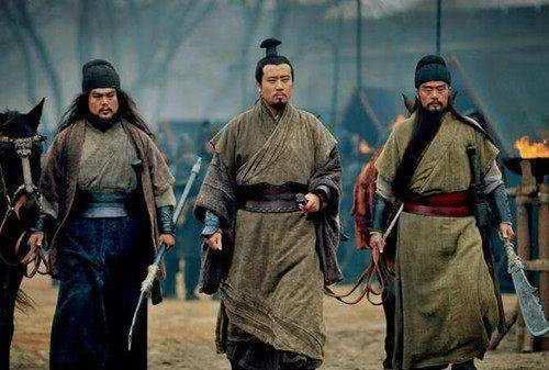 刘备只是个织席贩履之辈,没背景没钱,靠什么维持军队开销