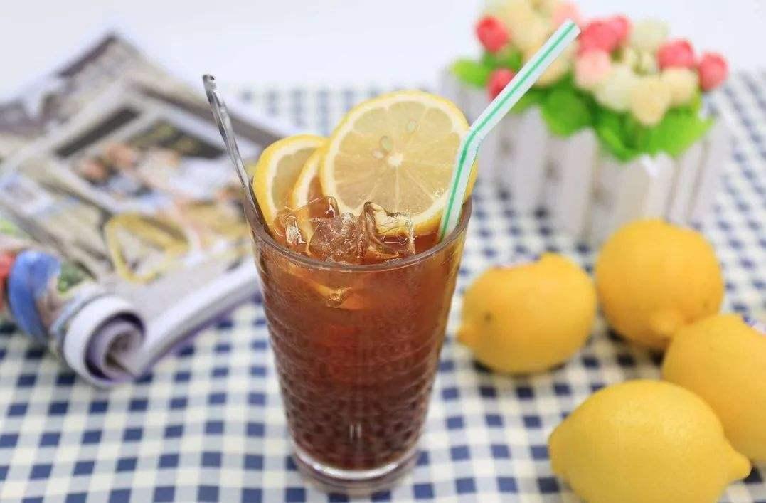 三伏天喝冷饮,降温的同时,会给身体带来的3大危害,你知道吗
