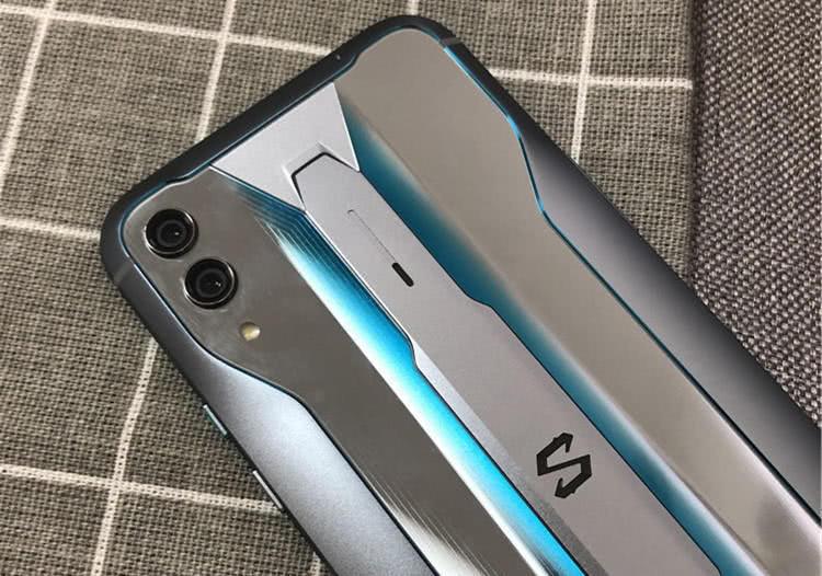 黑鲨游戏手机2 Pro:这次性价比赢了