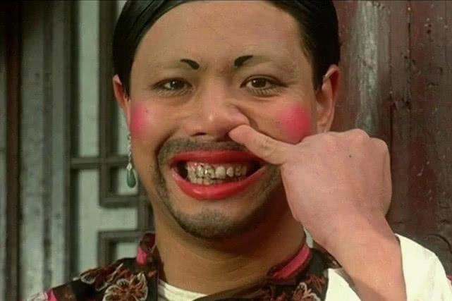 最善良老戏骨拒回TVB,一生未婚未育,80岁仍独居钱用来建小学