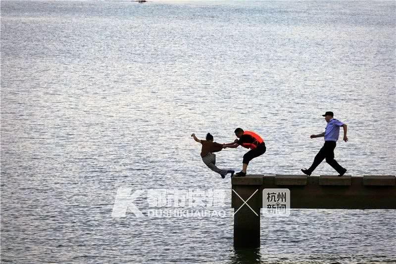 """""""快抓住!""""浙江摄影师拍夕阳,竟拍下惊心动魄一幕"""