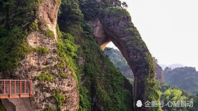 国内最出名的奇峰之一,神似象鼻,惟妙惟肖
