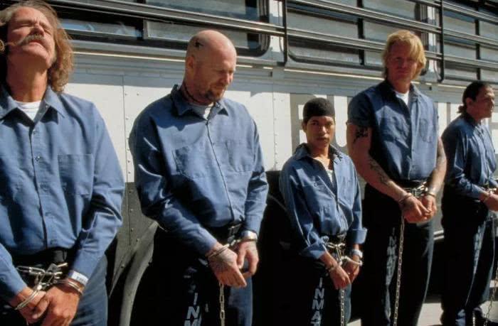 <b>这十部监狱题材电影真是暴力美学了,全看过的我敬你是个狠人!</b>