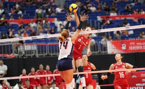 中国女排3-0多米尼加!朱婷遭日本记者4连问,三字霸气回应