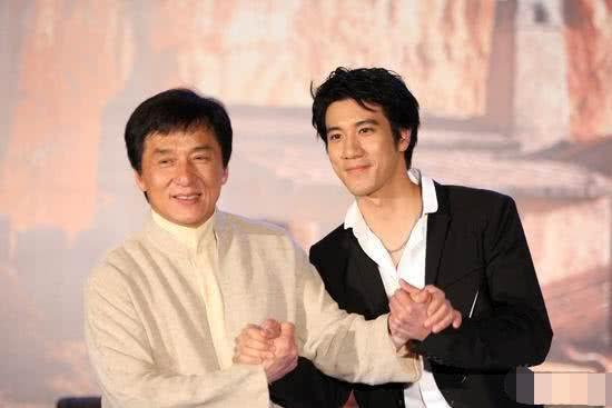 """成龙十分欣赏王力宏,他是自己的偶像,直言他要是我""""儿子""""多好"""