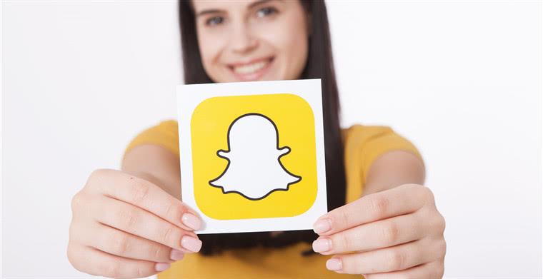 """""""反Facebook""""的Snapchat:推出Real Friends活动"""