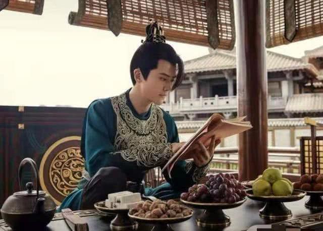 我发现《庆余年》中二皇子吃的火锅竟然是潮汕牛肉锅