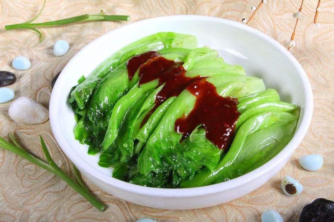 <b>三伏天吃什么解暑佳品?来一道水当当的蔬菜,解暑又减肥</b>