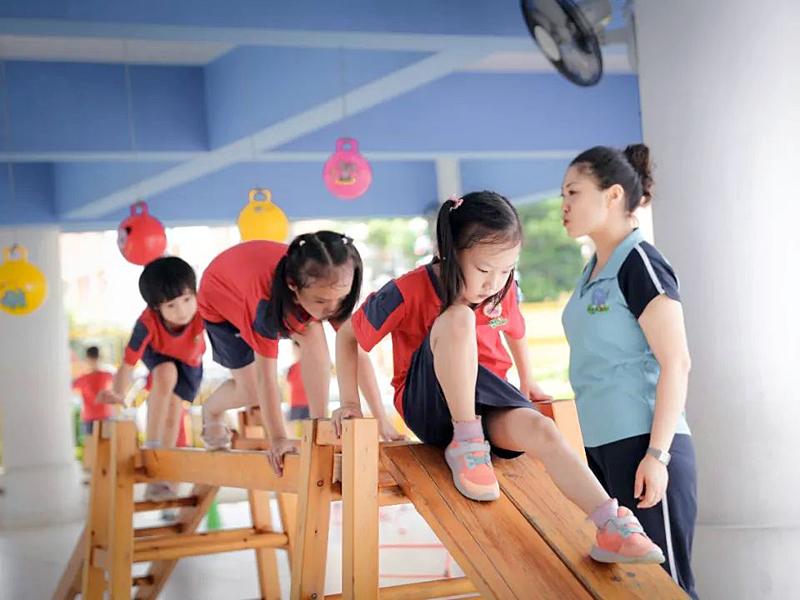 孩子上幼儿园有多难?提升幼教老师数量和素质,需要包容的心态