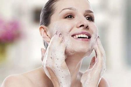 敷面膜不是越多越好,没有正确的方法,你的皮肤会越来越差!