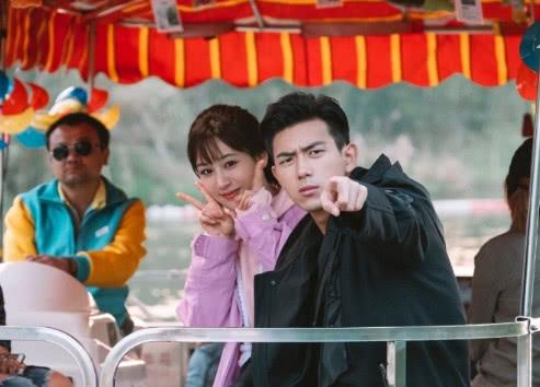 继《亲爱的热爱的》收官之后,杨紫和李现再度合体,好朋友一起走