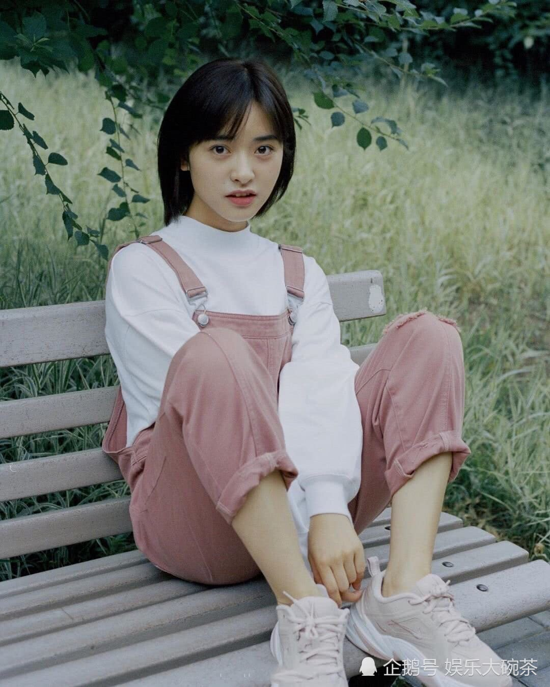 沈月夏日写真美照清新甜美又可爱,有一种邻家女孩的既视感