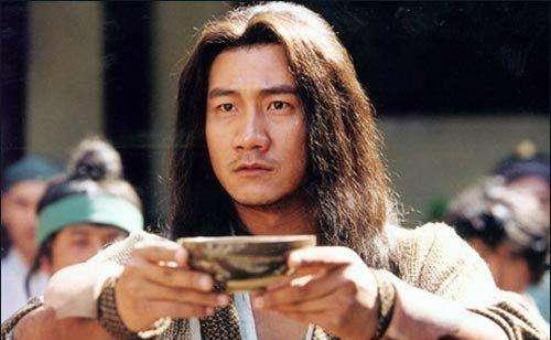 天龙小说中最开始的主角乃是段誉,为何到了电视剧中变成乔峰?
