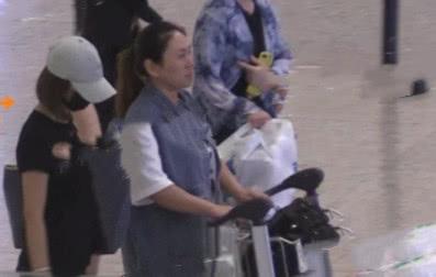 任达华遇刺后,林心如机场请3壮汉护送,此前带着娃都没这阵仗大