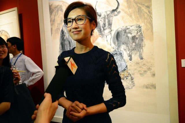 北京卫视当家花旦,二婚嫁主持人,坚持丁克17年却在41岁怀孕