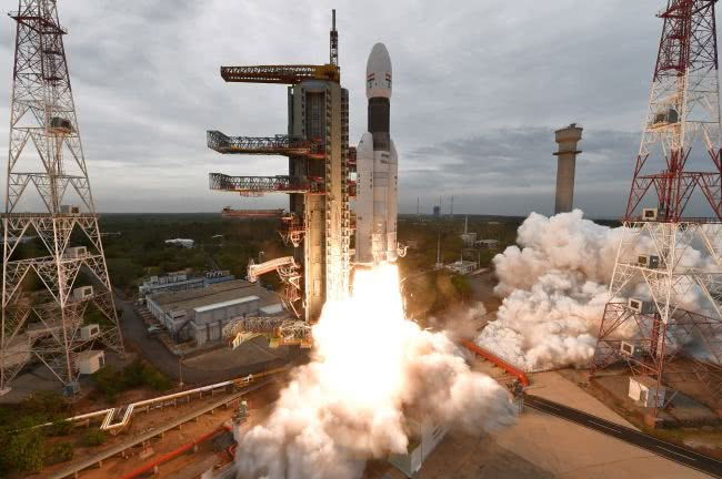 <b>印度月船2号成功发射升空,或将成为第四个登陆月球的国家</b>