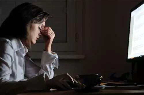熬夜加班、暴饮暴食,这些伤肝行为,你中了几样?