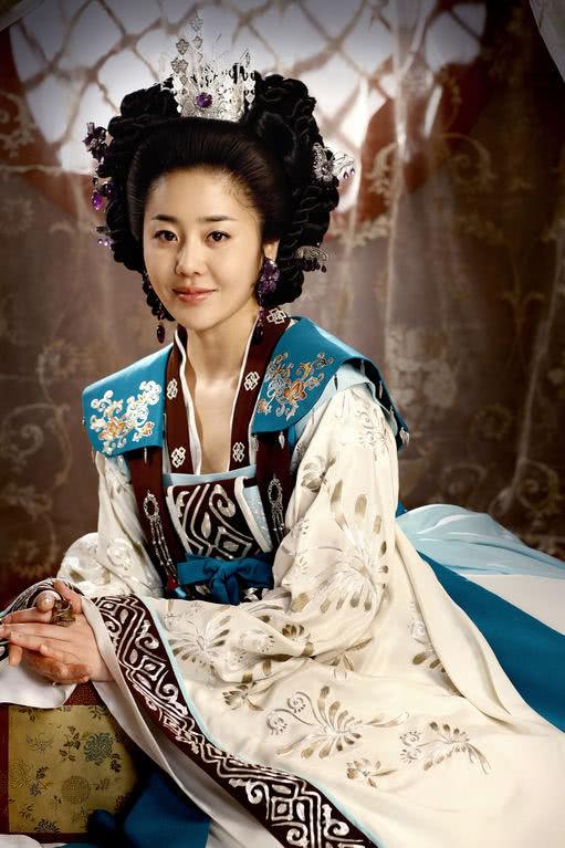 历史上的女王时代,中国唐朝武周时期,整个东亚地区由女人统治