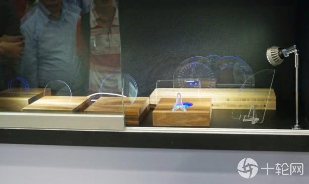 康宁展示激光切割技术,能运用在车用、5G基站等新兴需求