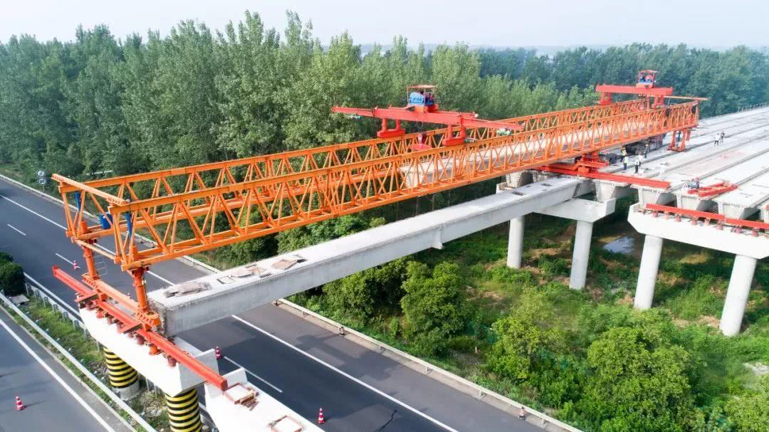 雏形初现!348省道跨京沪高速公路大桥进入施工冲刺阶段……
