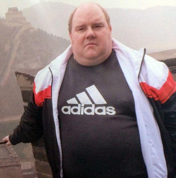 <b>英国肥胖男子因爬不上长城决心减肥,现减掉190斤称要再次挑战</b>
