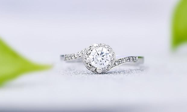 戒指如何挑选才能恰到好处?挑选钻戒你需要考虑哪几点因素?