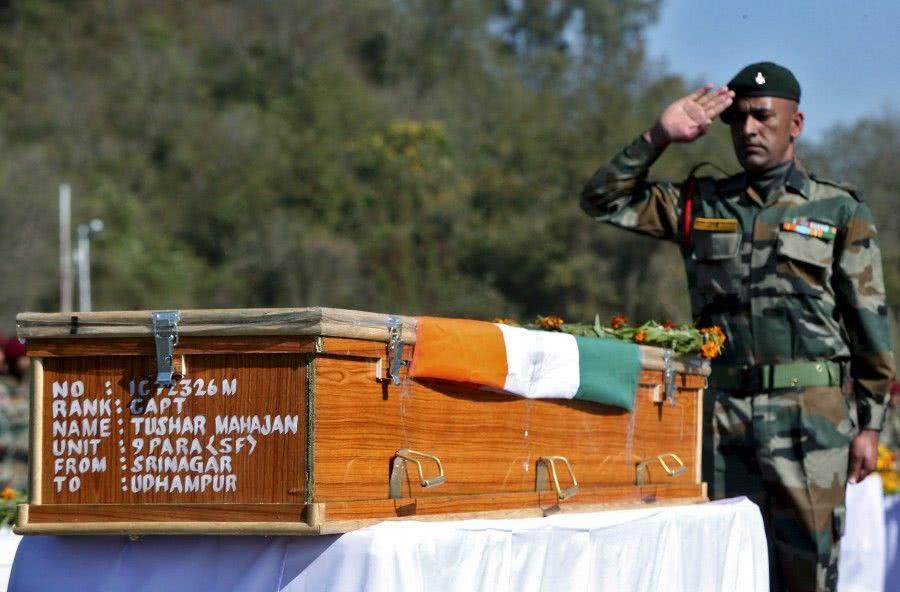 特种兵军官牺牲后,巴铁果断发动血腥报复,击毙6名印军陪葬