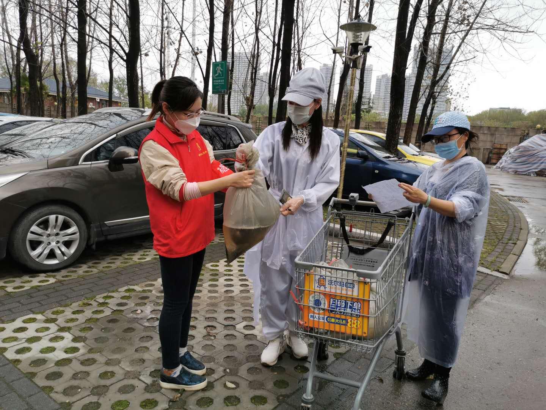 社区志愿者程瑶:冬日烛光,且待春归