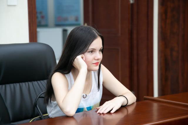 高考中文满分!这个俄罗斯美女不简单,曾在大连生活6年