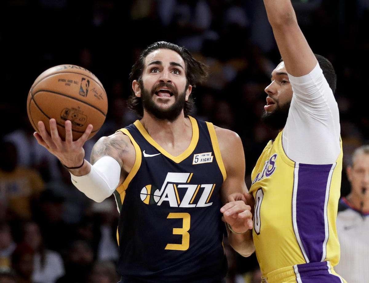 亚当斯比浓眉小,库里比罗斯年龄大,NBA中颠覆认知的5大球星