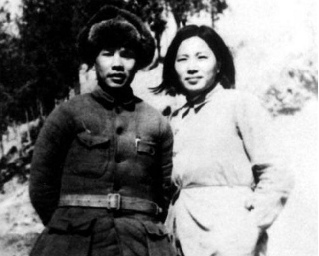佟麟阁将军壮烈殉国后,妻子织袜为生,父母直到去世还不知其牺牲