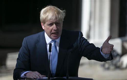 """发展""""群体免疫力""""对抗新冠病毒?世卫组织与数百名科学家质疑英国抗疫举措"""