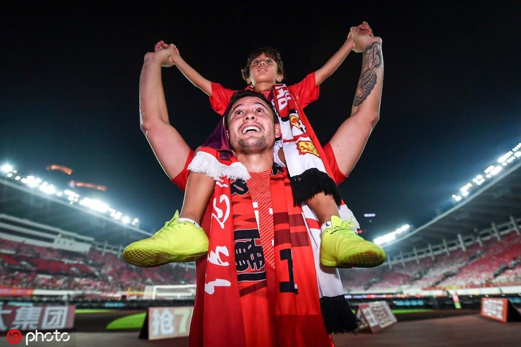 巴甲豪门将与中国足球深度合作 埃尔克森归化成重要助推因素