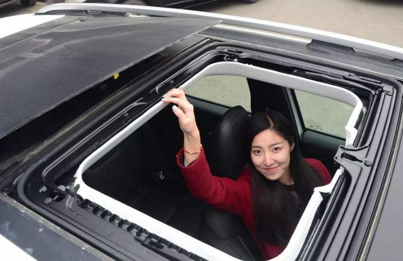 <b>汽车天窗只是块昂贵玻璃?真可惜,这5大功能老司机早就用上了</b>
