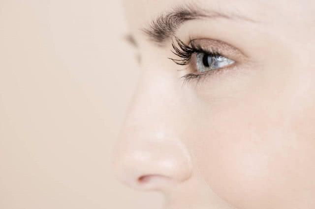 鼻梁骨宽可以捏窄的方法 整容恢复美貌