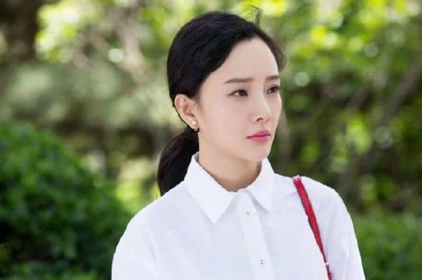 复出之路不易,李小璐微博上忙为新片做宣传,贾乃亮却毫无动静