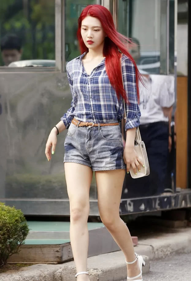 今夏照旧风行短裤,轻松显瘦显腿长