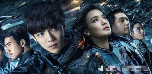 《上海堡垒》预售票房仅200万,导演哭诉:没钱的省省也得出钱