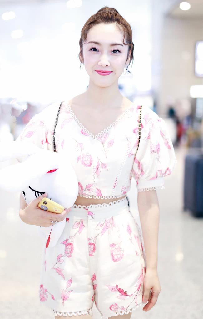《陈情令》里最美师姐江厌离,芭比粉妆容搭炫腹装,甜skr人!