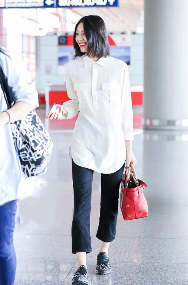 别觉得刘雯穿T恤和长裤任性,即使你有同款长腿,气质也学不来!