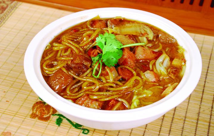 东北传统名菜:酸菜猪肉炖粉条,正宗农家风味