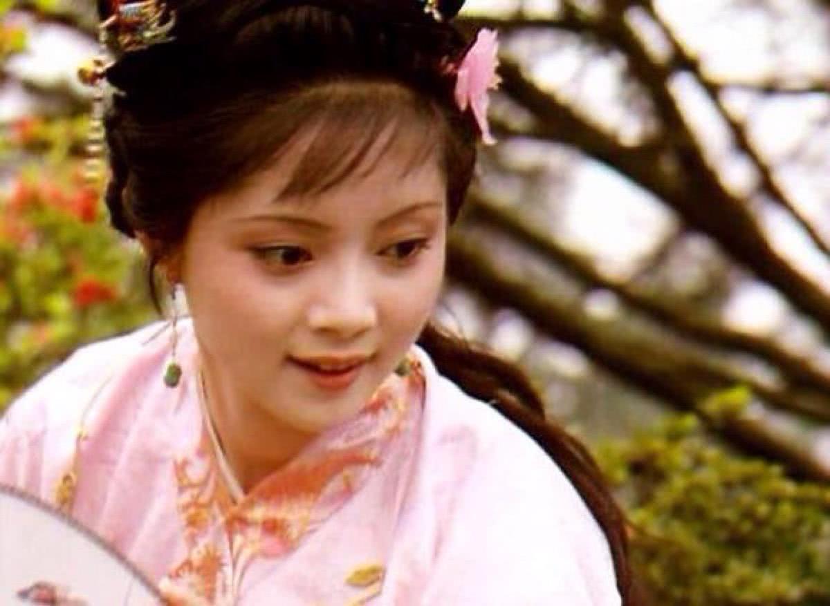 《红楼梦》中薛宝钗搬离蘅芜苑,为何会打发史湘云也离开?